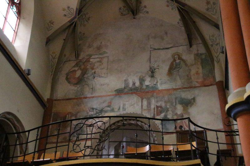 Ältestes Gebäude in Linz am Rhein, Romanische Kirche in Linz