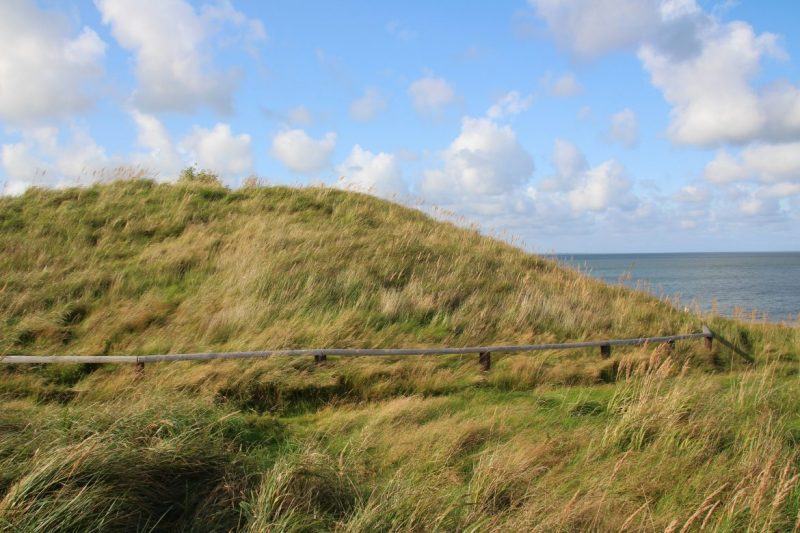 Steinzeitgrab am Meer