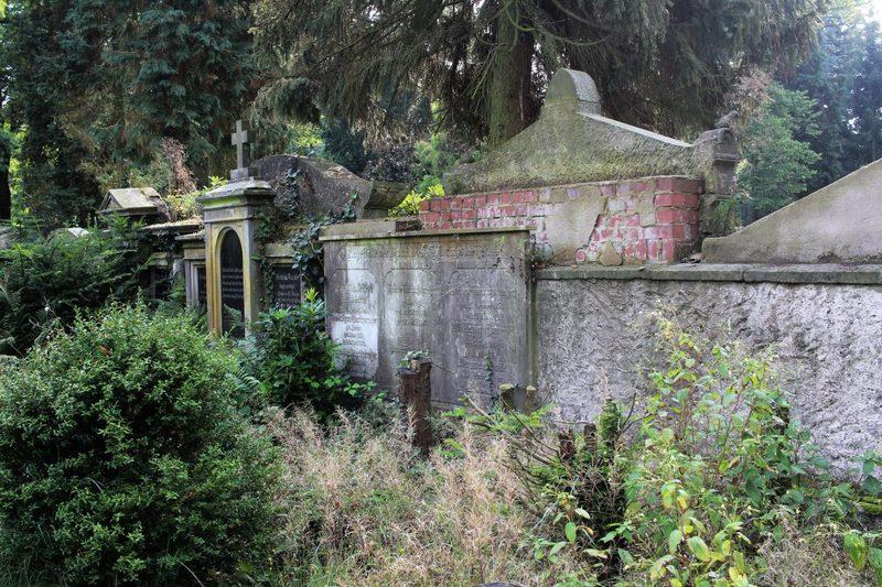 Alter Friedhof im Teutoburger Wald