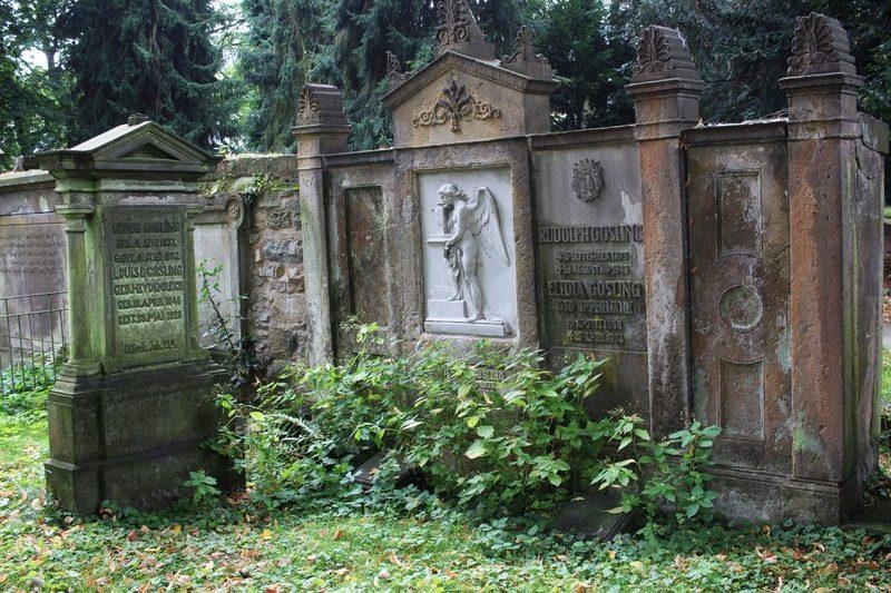 alte und verfallene Gräber in Osnabrück