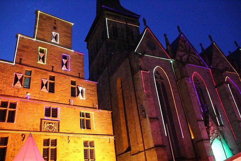 gotische Kirche Osnabrück, Kaufmannshäuser auf dem Marktplatz