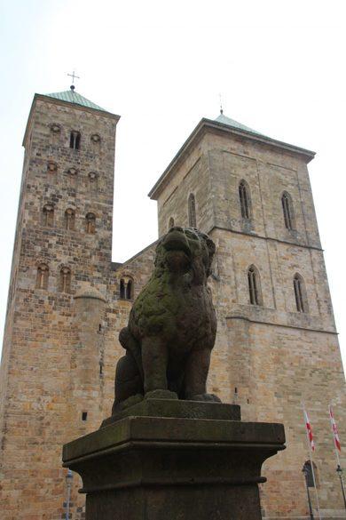 Osnabrücker Löwe, Löwe vor dem Dom zu Osnabrück