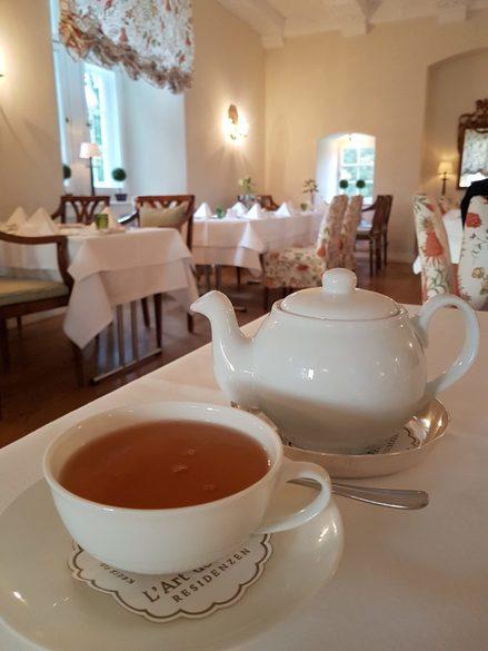 Speisen im Schlosshotel Münchhausen, Tea-Time, Weserbergland, Schloss bei Hameln