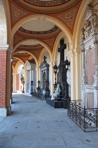 Alte Arkaden auf dem Zentralfriedhof in Wien