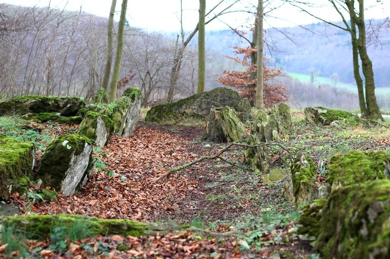 Steinkistengrab, Dolmen, Megalith