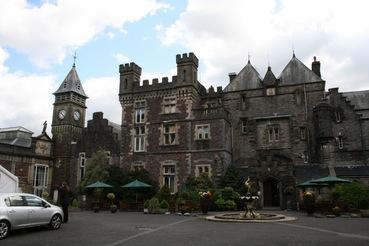 Craig Y Nos Castle – Das Hotel, wo Queen Victoria vom Werwolf angegriffen wurde, vom Doktor gerettet wurde und daraufhin Torchwood gegründete