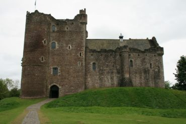 "Doune Castle – Kulisse für ""Ritter der Kokosnuss"", ""Outlander"" und ""Game of Thrones"""