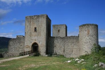 """Chateau Puivert – Die geheimnisvolle Burg aus """"Die Neun Pforten"""""""
