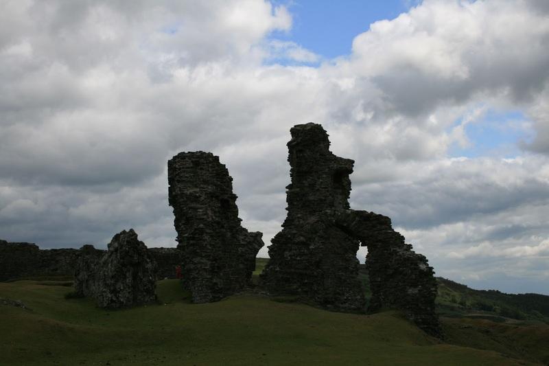 Dinas Bran Castell Wales Artus Gral