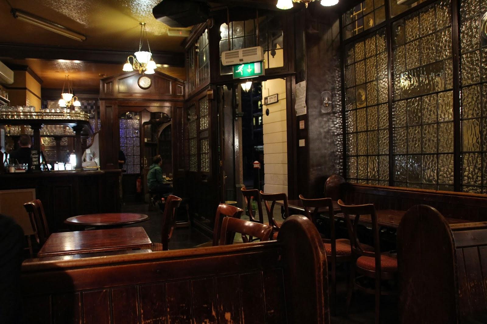 Eine geistreiche Kneipentour durch London – die Haunted Pubs - Burgdame