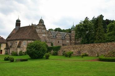 Hämelschenburg im Weserbergland – Der Wohnort von Frau Holle