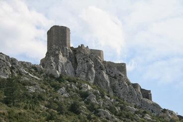 Chateau Quéribus in den Pyrenäen – eine der Gralsburgen in Südfrankreich