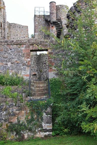Burg_Staufenberg1