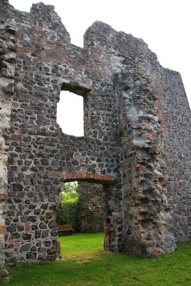 Burg_Staufenberg12