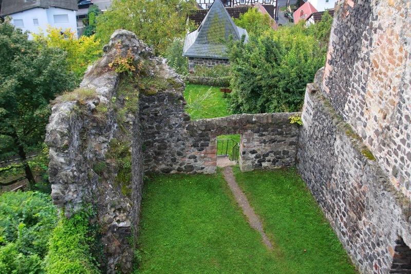 Burg_Staufenberg8