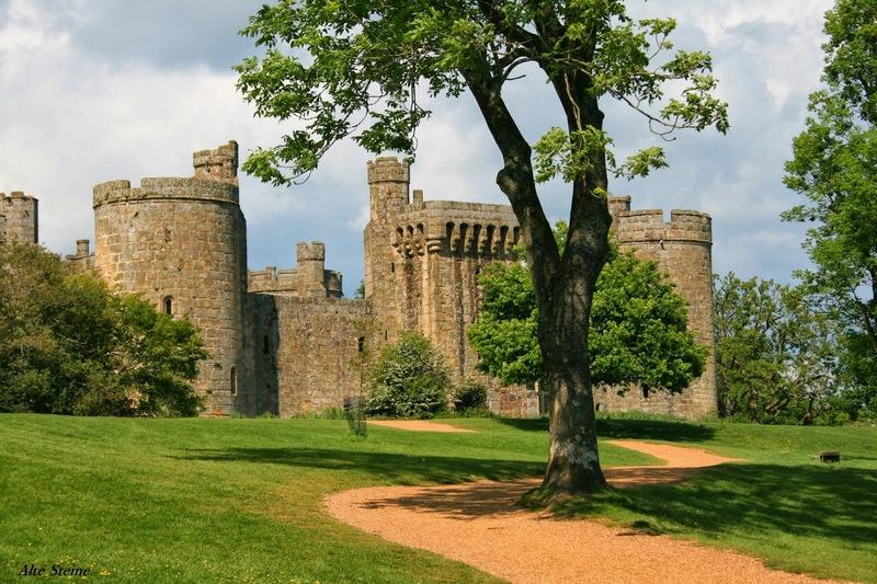 Bodiam_Castle1
