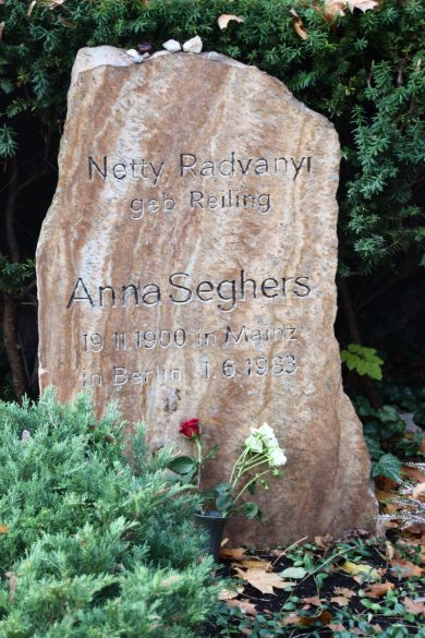 grab-anna-seghers-alter-friedhof-berlin