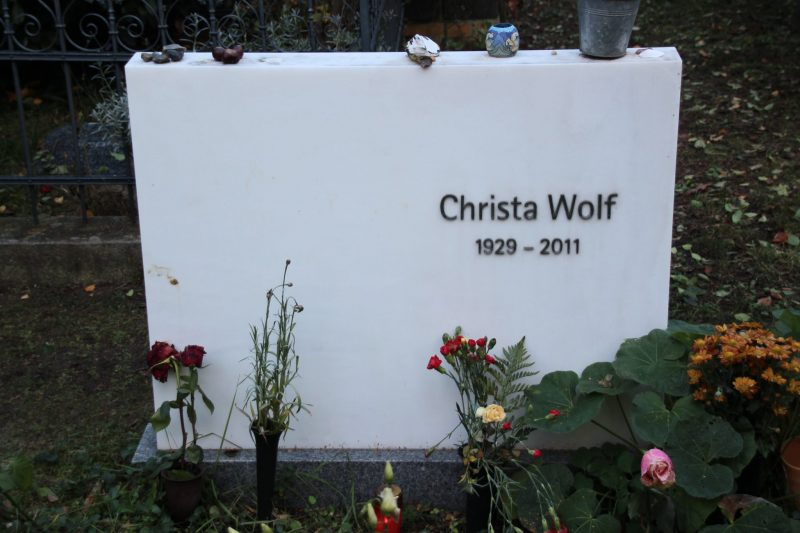 grab-christa-wolf-alter-friedhof-berlin