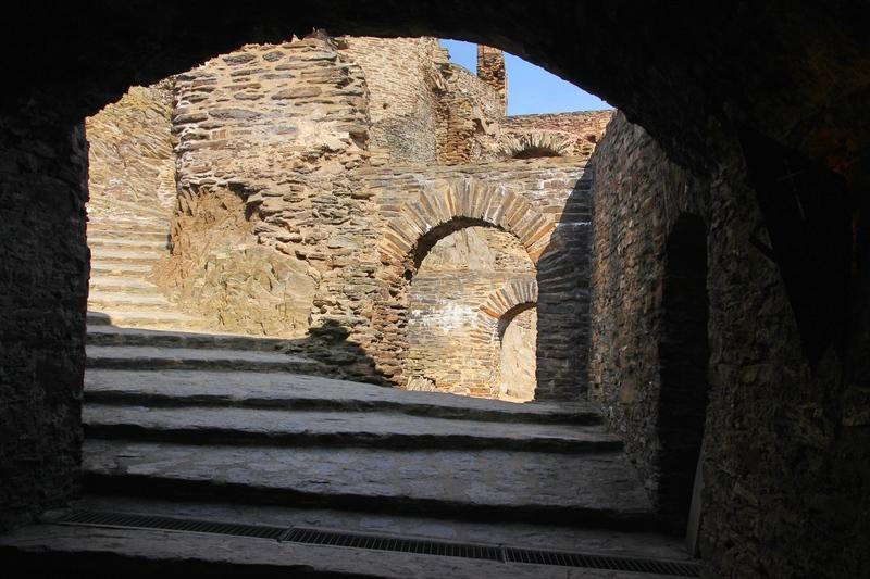 Ehrenburg, Burg an der Mosel, Burgruine am Rhein, Burg bei Boppard
