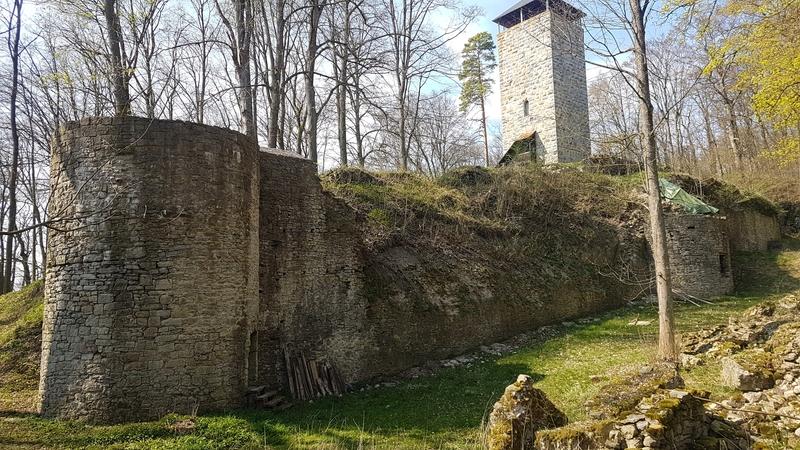 Burg bei Hildburghausen, Burgruine in Südthüringen, Burg auf einem Kultplatz