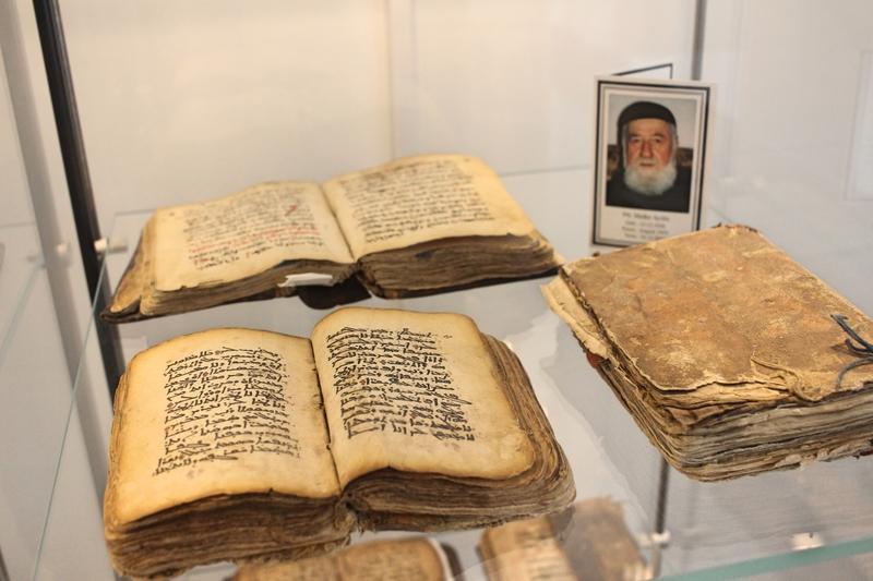 aramäische Schriften, aramäisch, syrisch-orthodoxes Kloster, Kloster in Warburg, Sehenswert in Warburg