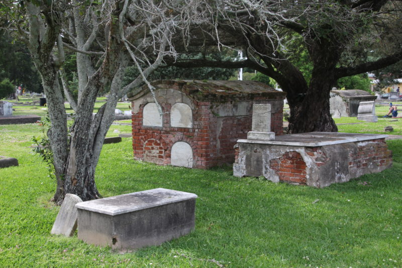 Alter Friedhof, Louisiana, verfallenes Grab