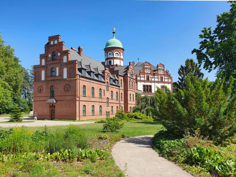 Schloss Wiligrad, Sehenswürdigkeiten bei Schwerin, Schlösser in Mecklenburg-Vorpommern