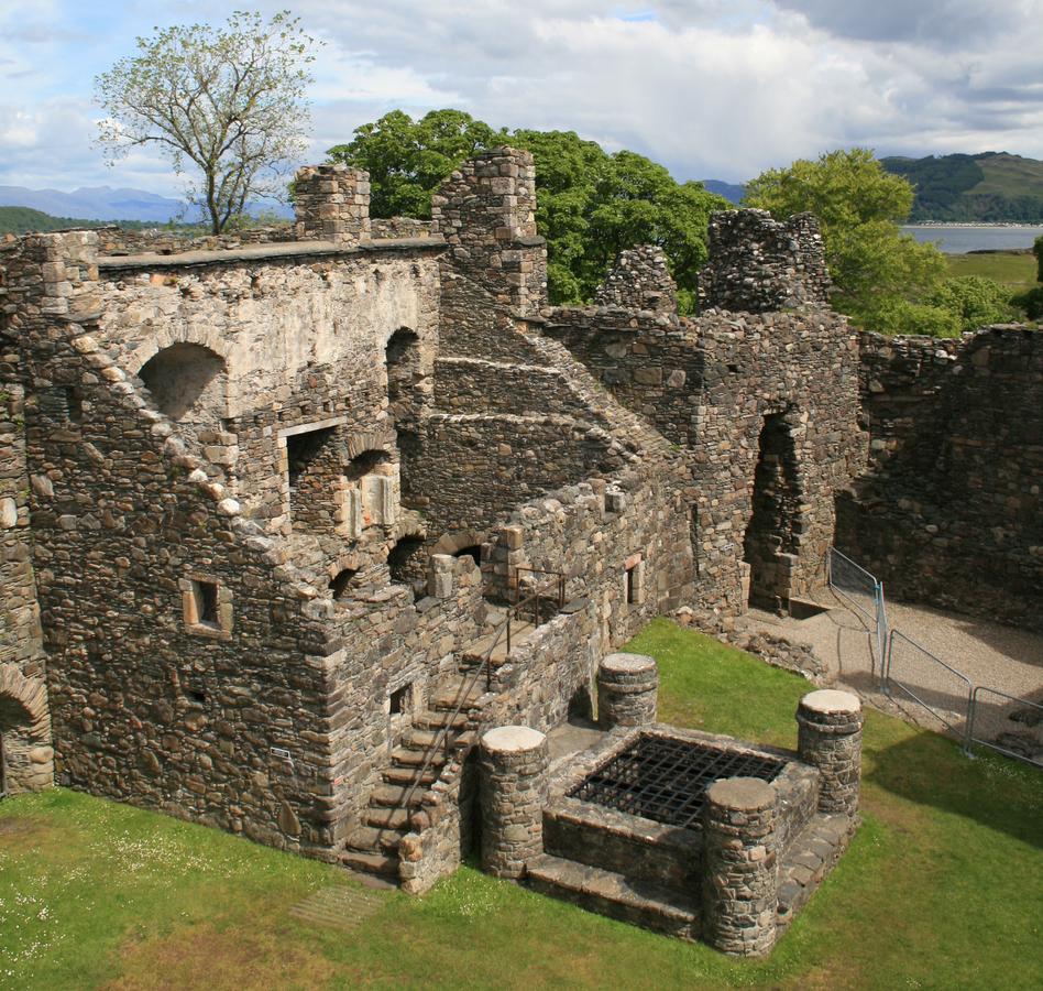 Gruselige Burgen in Schottland, schottische Geisterburgen, Gespenster in Schottland, Schottische Burgruinen