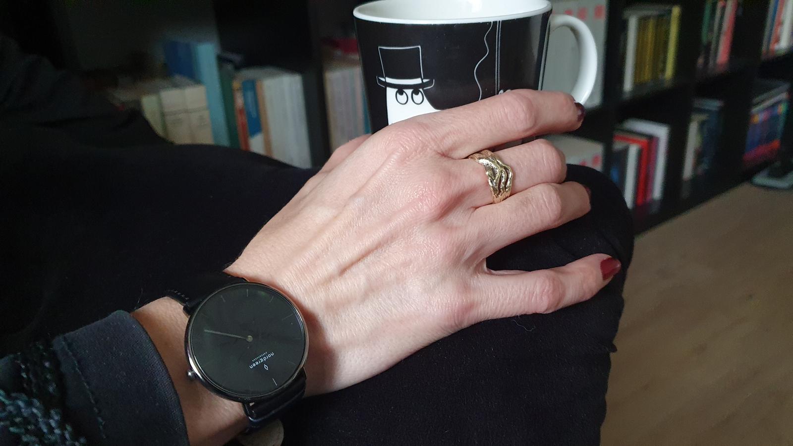 schwarze Uhr, Nordgreen Uhr, Uhr im skandinavischen Design, dänisches Design, Moomins,